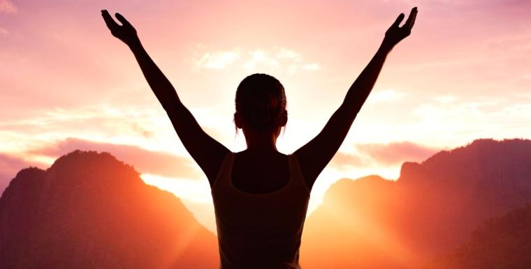 woman-meditating-at-sunrise1